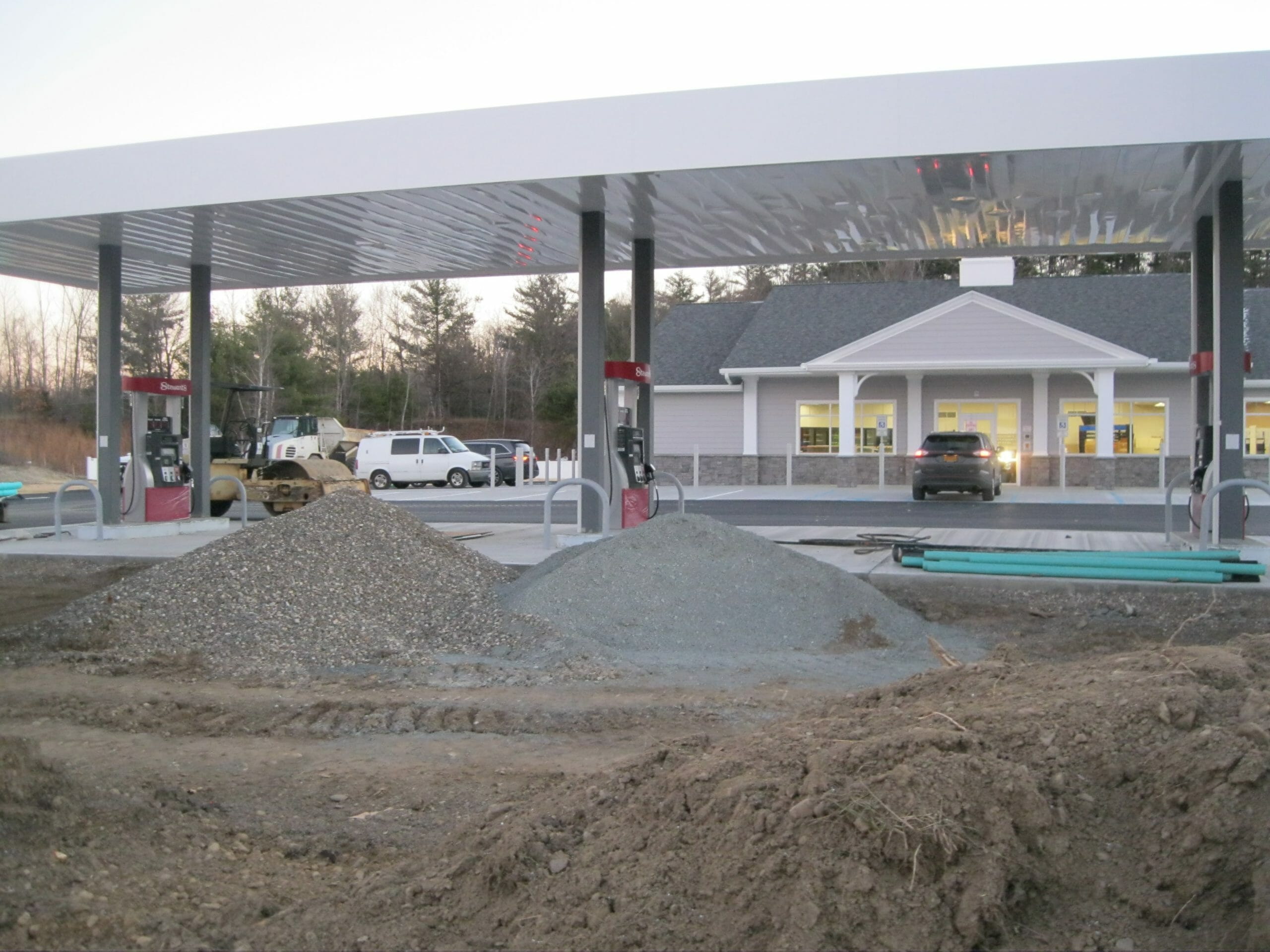 Columbia Turnpike Shop being constructed